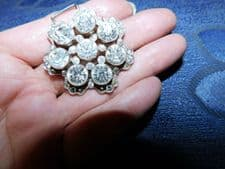 UNUSUAL SILVER TONE BELT BUCKLE SHAPE OF FLOWER WITH LARGE SPARKLE STONES